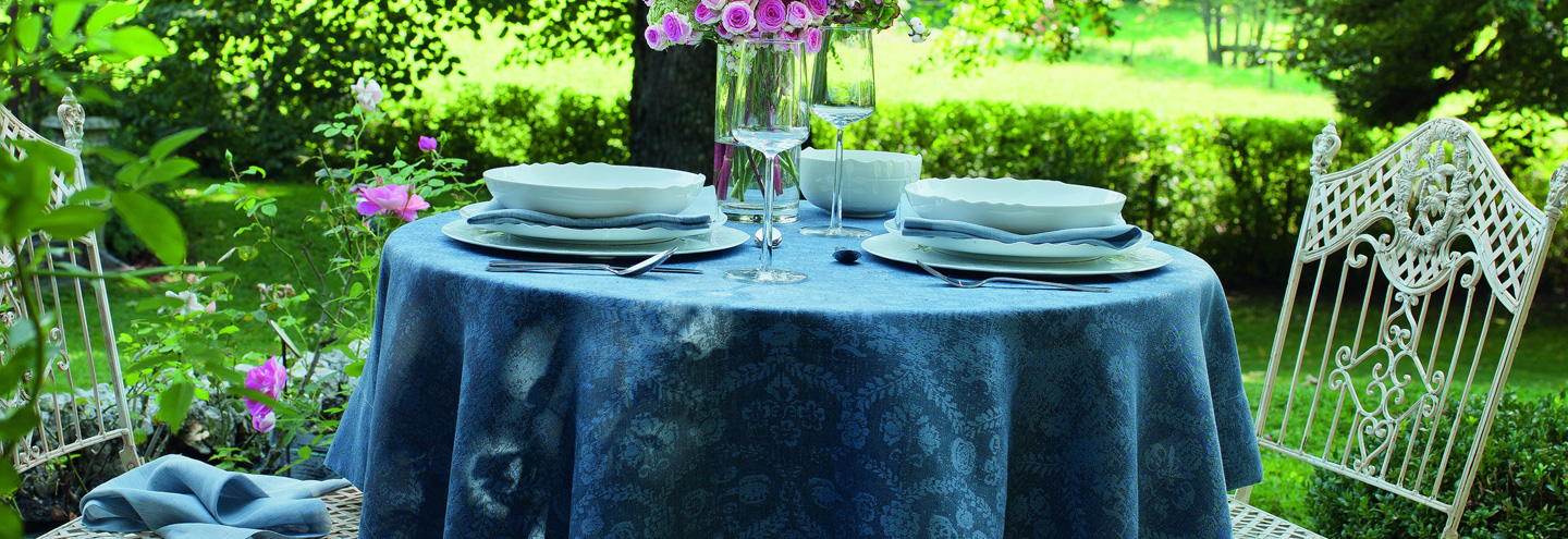 dwell with LEITNER tablelinen